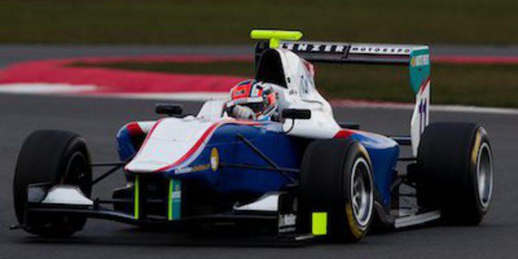 Patric Niederhauser lidera los primeros libres GP3 en 2013