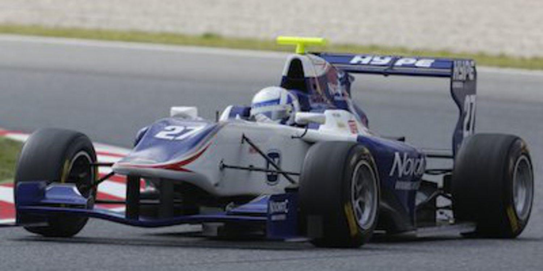 Aaro Vainio se lleva la manga de GP3 del domingo en Barcelona