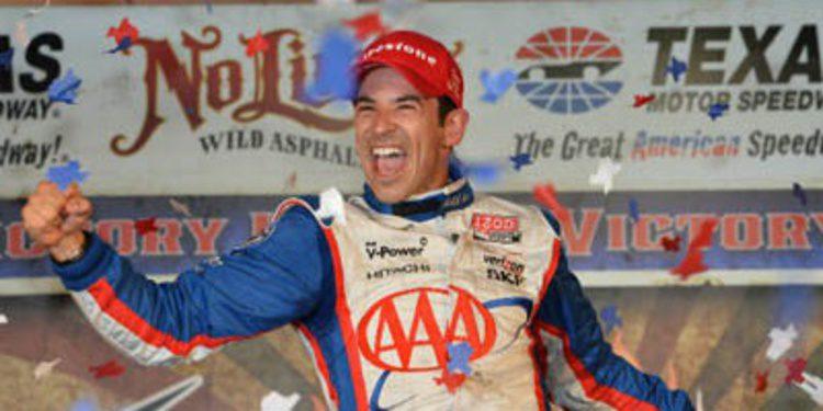 Helio Castroneves arrasa en Texas en la IndyCar
