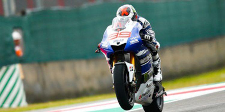 Jorge Lorenzo y Rossi a por todas en Catalunya