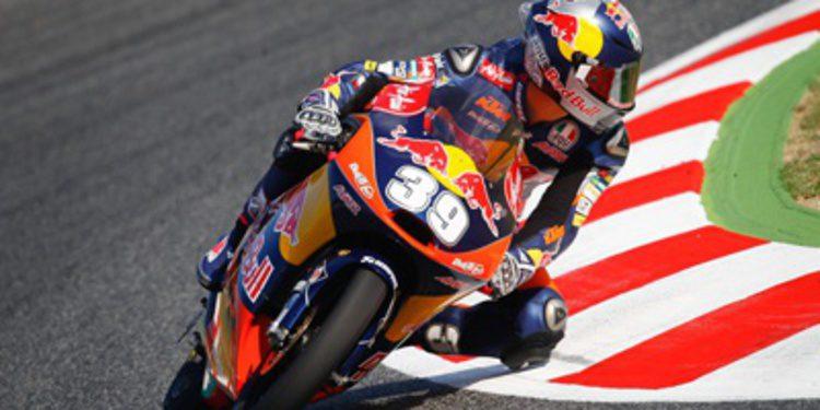 Luis Salom elimina rivales en Moto3 y gana en Montmeló