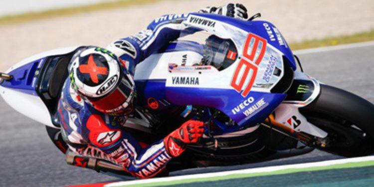 Jorge Lorenzo da una cátedra de MotoGP en Montmeló