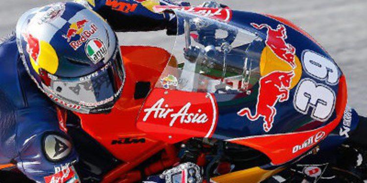 Luís Salom responde en los FP2 de Moto3 en Assen
