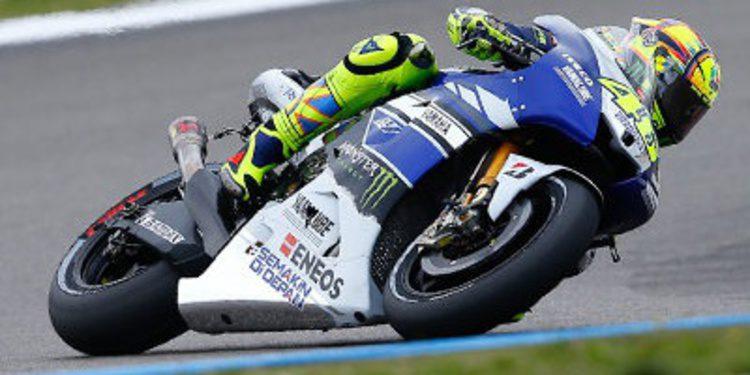Rossi líder del heroico Warm Up de Lorenzo en Assen