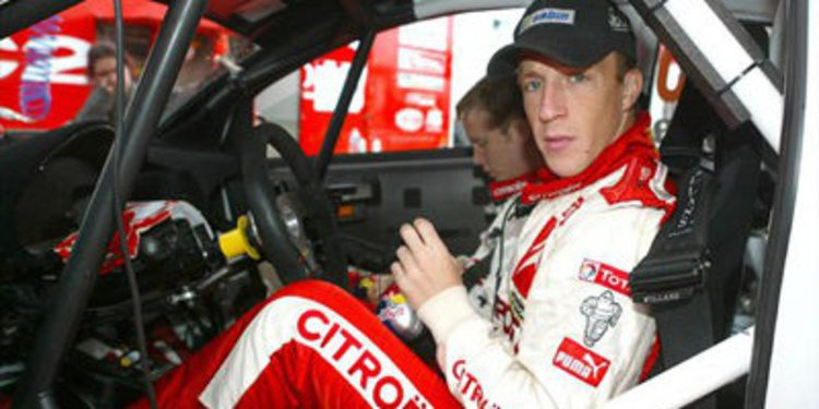Kris Meeke con Citroën WRC en el Rally de Finlandia