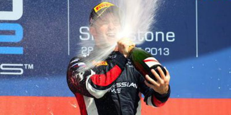 Sam Bird hace disfrutar a los suyos en Silverstone en la GP2