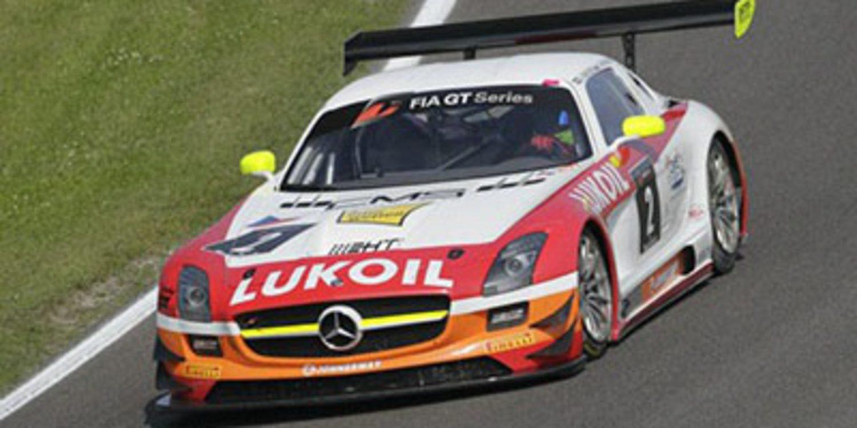 Ortelli y Vanthoor ganan una carrera emocionante
