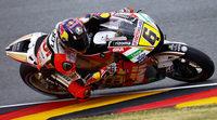 Stefan Bradl da una alegría a su público en los FP2 de MotoGP
