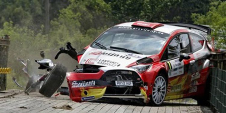 El Ford Fiesta R5 accidentado en su debut competitivo