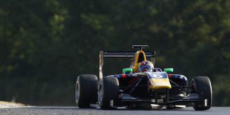 Daniil Kvyat marca el ritmo en los libres de GP3 en Hungría