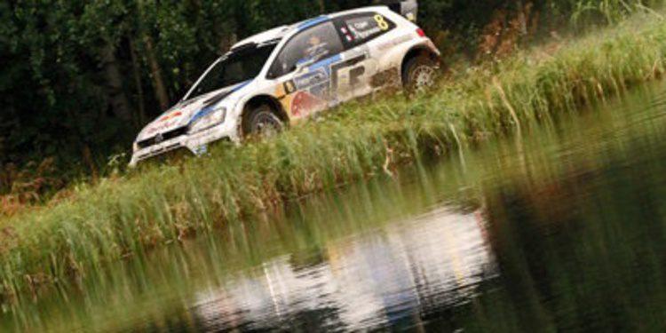 Ogier rompe el Rally de Finlandia en la segunda etapa