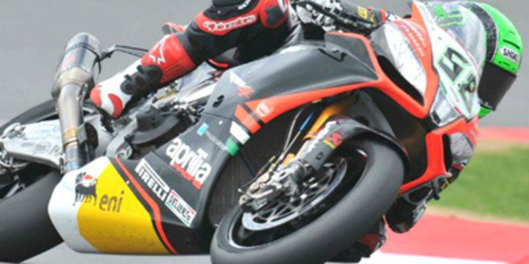 Pole SBK para Laverty, Carlos Checa 2º en Silverstone