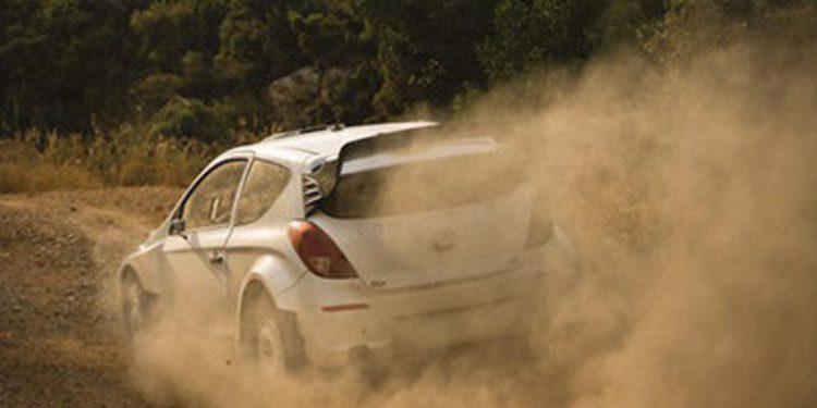 Hyundai ha probado el i20 WRC en tierra