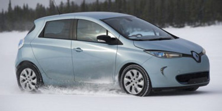 Renault nos enseña a colocar las cadenas para nieve