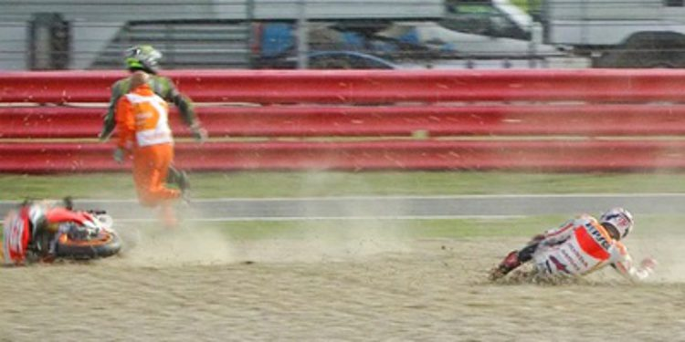 Accidentado Warm Up de MotoGP para Márquez en Silverstone