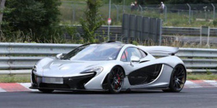 Primer récord del McLaren P1 y un 12C muy especial