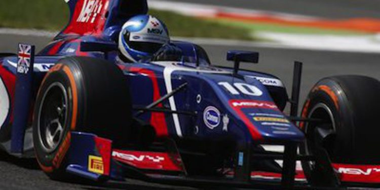 Jolyon Palmer marca la pauta en los libres de Monza