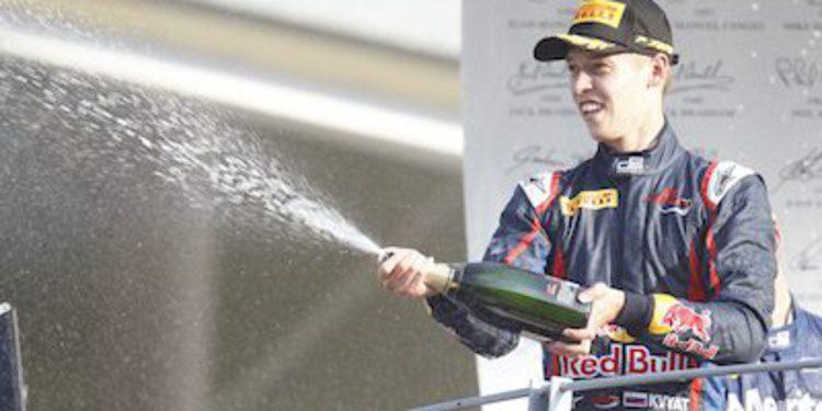 Kvyat a por el título de GP3 tras dominar en Monza