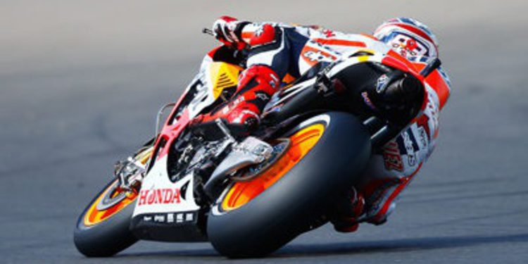 Marc Márquez cierra arriba el viernes de MotoGP en MotorLand