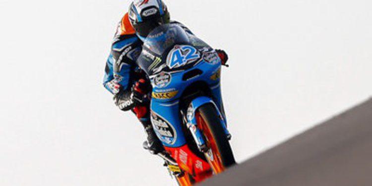 Alex Rins destroza tiempos y rivales en la pole de Moto3 en MotorLand