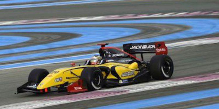 Magnussen descalificado de la primera carrera en Francia
