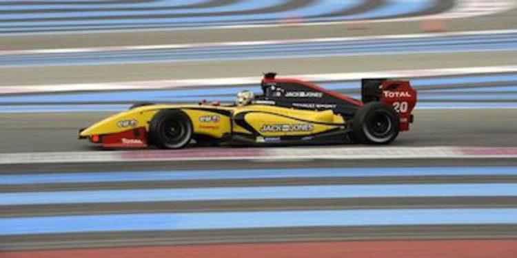 Magnussen domina en Paul Ricard y acaricia el título