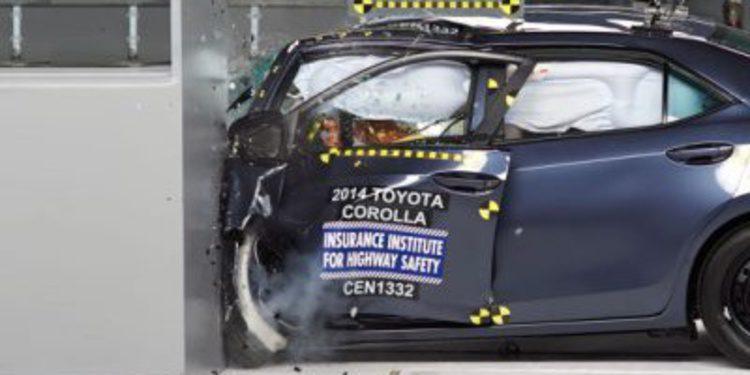 El Toyota Corolla 2014 falla en las pruebas del IIHS