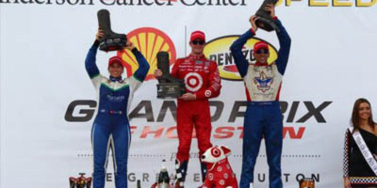 Scott Dixon arrebata el liderato a Helio Castroneves en Houston