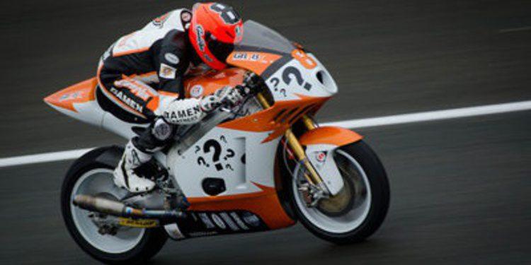 Gino Rea en la gira asiática de Moto2 con Argiñano & Ginés