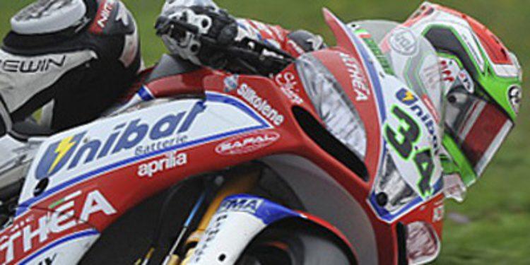 Davide Giugliano pole provisional del WSBK en Jerez
