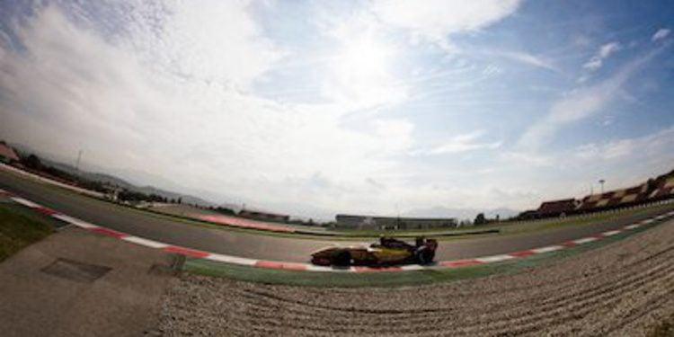 Magnussen se lleva la Pole del sábado en Barcelona