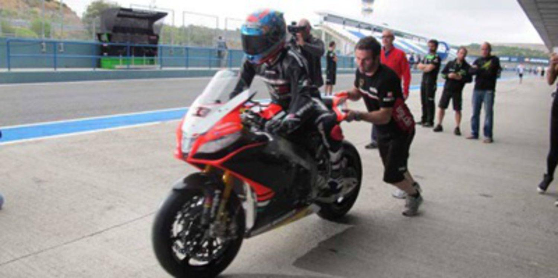 Marco Melandri ficha por Aprilia y se sube a la RSV4 en Jerez