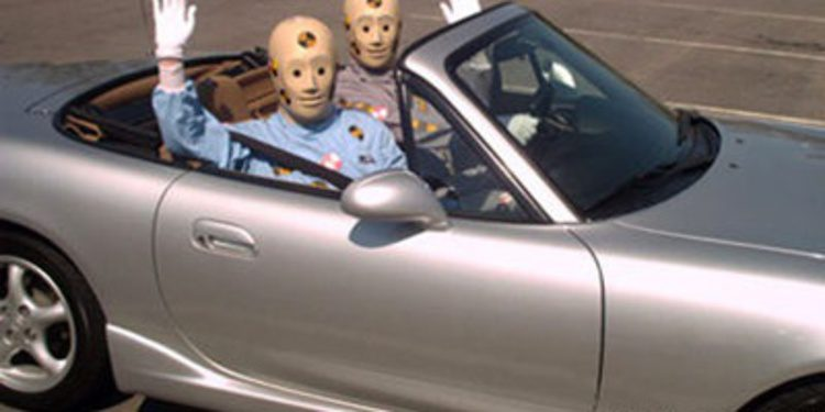 "Cadáveres humanos por ""Dummies"" en peculiares crash test"