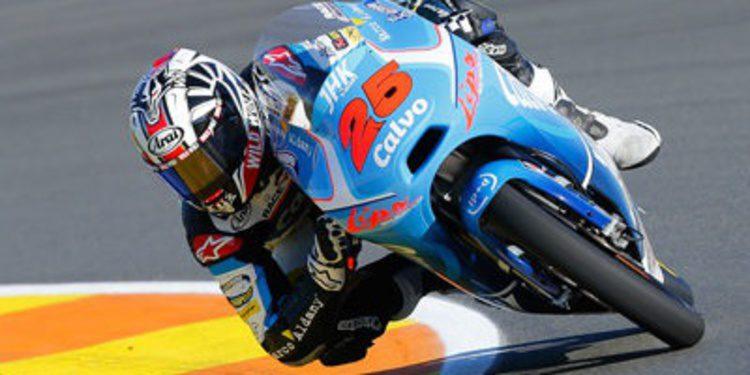 Maverick Viñales gana en Valencia y es campeón de Moto3