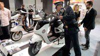 EICMA 2013: La policía confisca réplicas chinas de Vespa