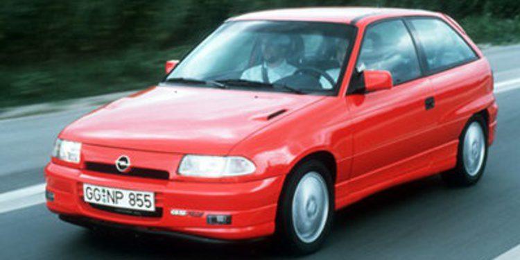 Comparamos los compactos deportivos más queridos de los 90 (II)