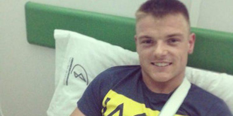 Sam Lowes se fractura la clavícula en Almería