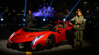 Lamborghini desembarca con su Veneno en Abu Dabi