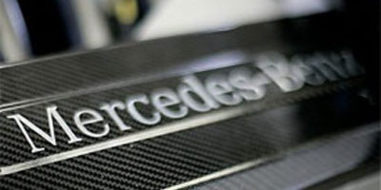 Mercedes sigue probando su motor de F3 en España