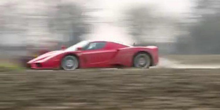 Otro tramo del Ferrari Enzo de TaxTheRich