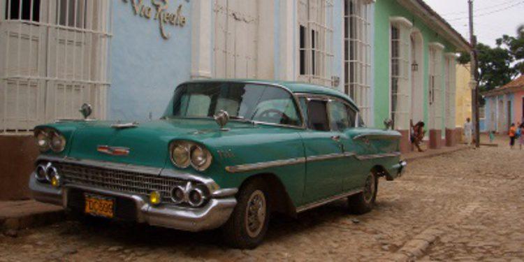 Imposible adquirir un automóvil en Cuba