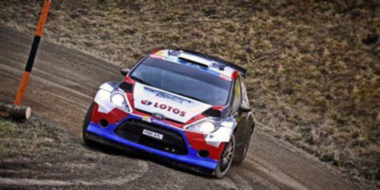 Robert Kubica gana el Jänner Rally del ERC de manera heroica