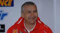 El staff de Ducati en MotoGP recibe a Davide Tardozzi