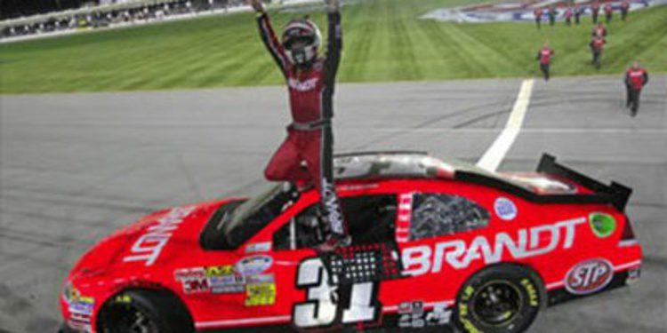 Justin Allgaier salta a la Sprint Cup con Phoenix Racing