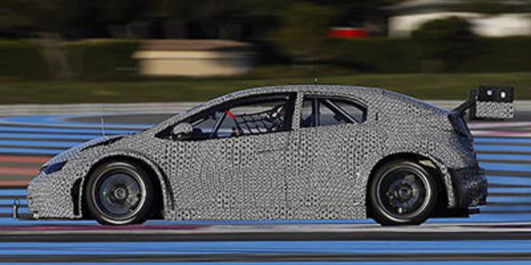 Tiago Monteiro y Honda completan un productivo test en Paul Ricard