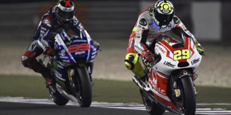 Andrea Iannone manda en el warm up de MotoGP en Doha