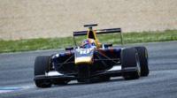 Alex Lynn domina el último día de test de GP3 en Estoril