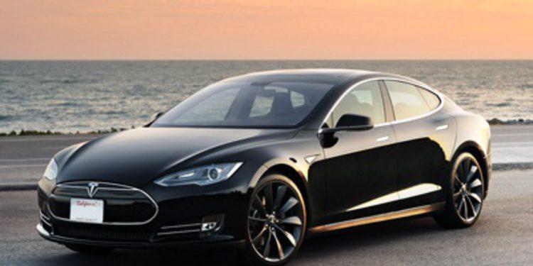 Tesla blinda los bajos de los Model S