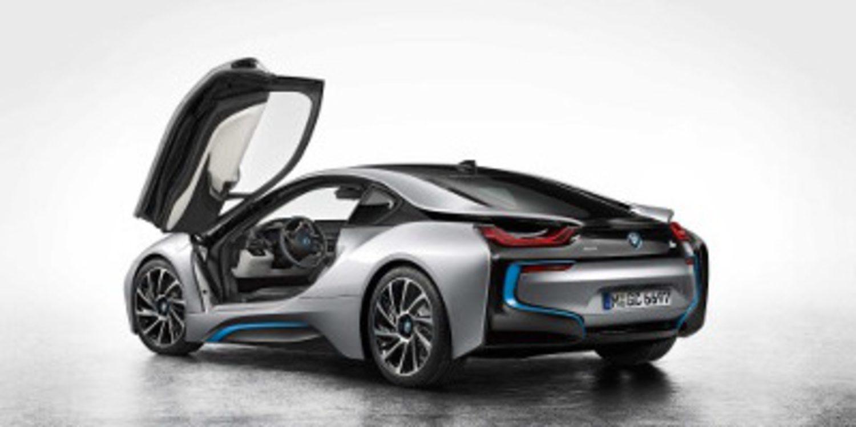 BMW desarrolla una versión híbrida del i8 con motor V10