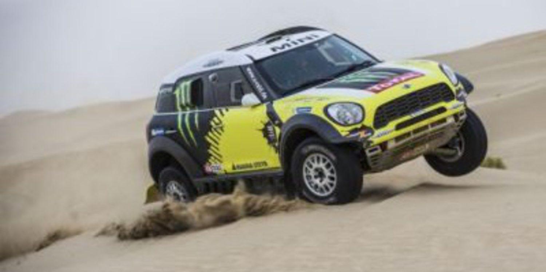 Joan Barreda y Nani Roma empiezan fuertes en el Abu Dhabi Desert Challenge